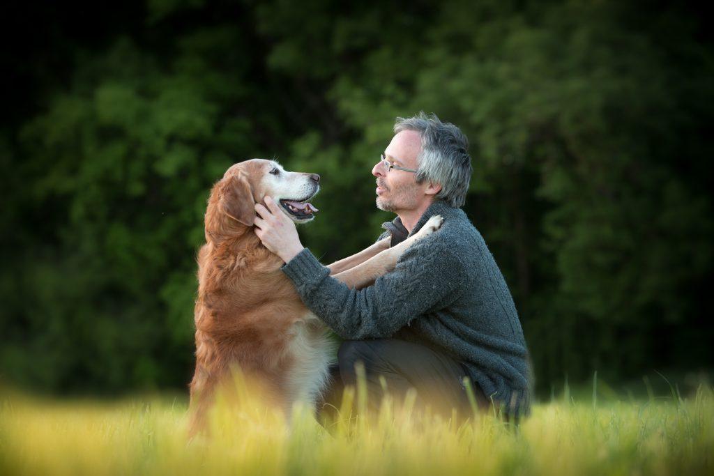 Photographie relation homme et son chien à Lausanne