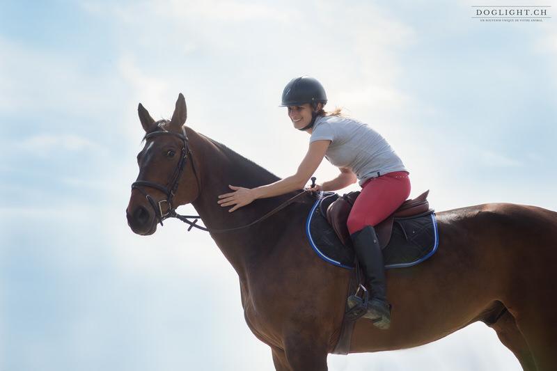 Complicité cheval cavalière ciel