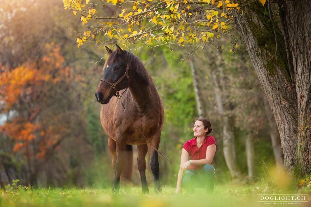 Photographie cheval et femme couleurs automne