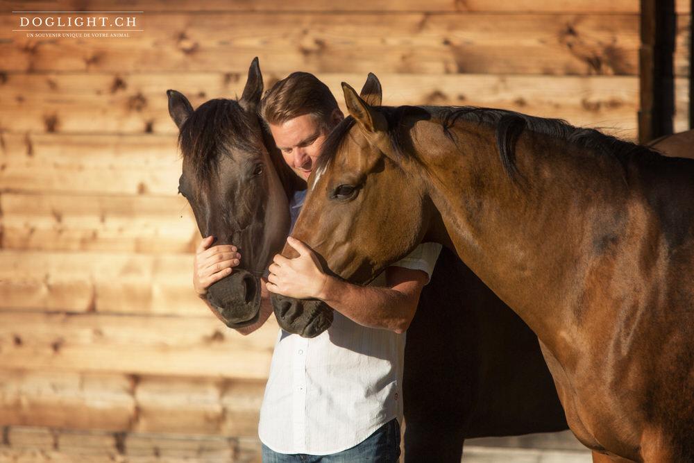 Complicité 2 chevaux homme chalet